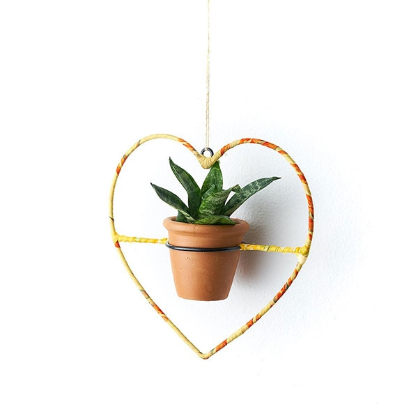HANGING PLANTER HEART