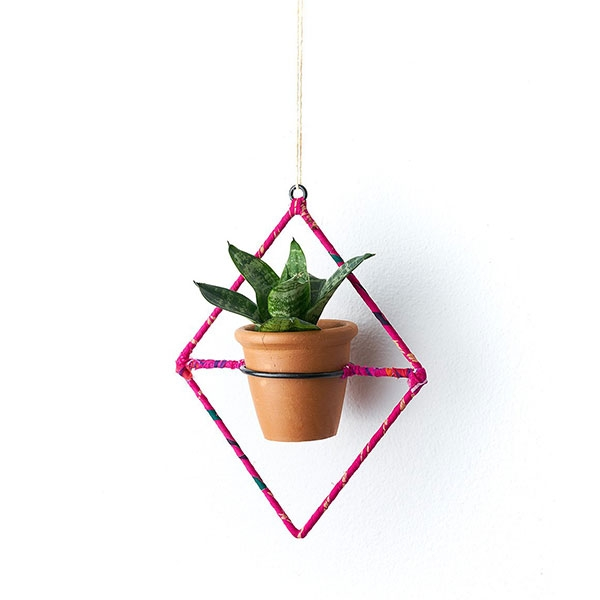 HANGING PLANTER DIAMOND